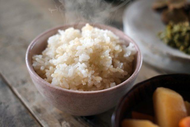 玄米食に変えると糖質の吸収を抑えれるのか?そんな玄米の魅力とは?