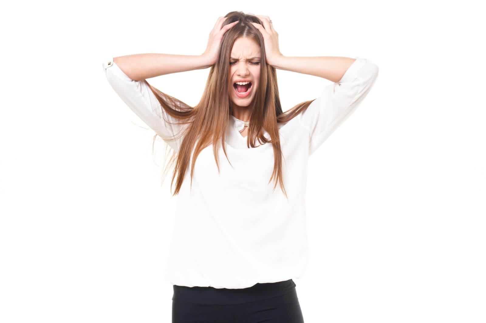 産後に抜け毛で悩んでる!!軽減する方法と落ち着く時期教えます!